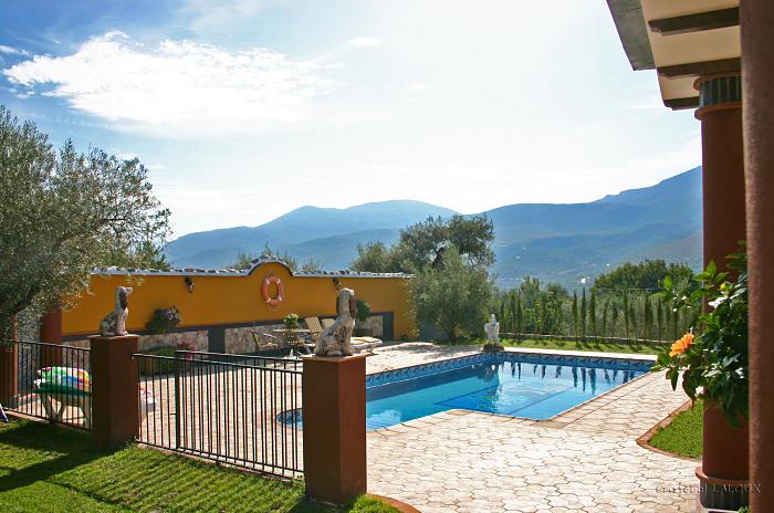 Casa rural villarocio country house villarocio cottage - Casa rural piscina interior ...